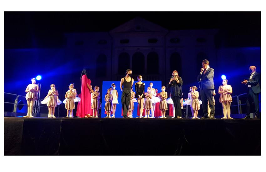 VIDEO – A Spinea  lo spettacolo Inclusioni, premio 'Up & Down…dance in the middle', andato in scena nel parco di Villa Simion