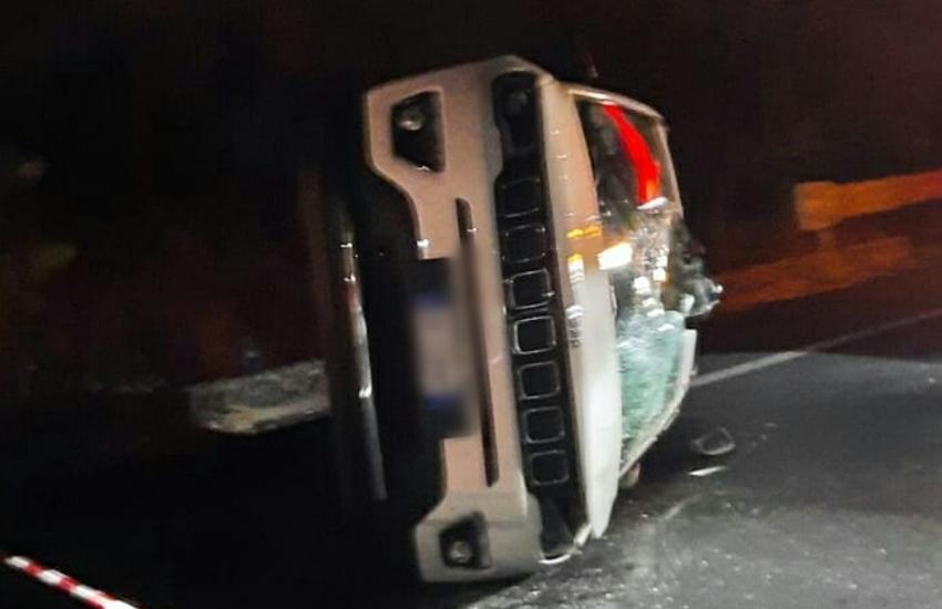 Paternò, svincolo Scalilli, pauroso incidente nella notte: donna, sotto choc, ritrovata a chilometri dall'impatto