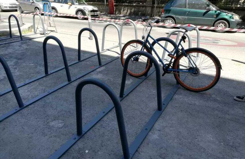 Nuove rastrelliere per le biciclette a Bologna