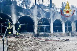 Incendio distrugge resort del reality Temptation island