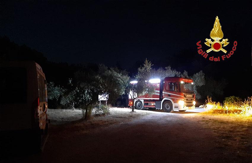 I vigili del fuoco in soccorso degli animali del centro wwf Oasi Bosco di San Silvestro