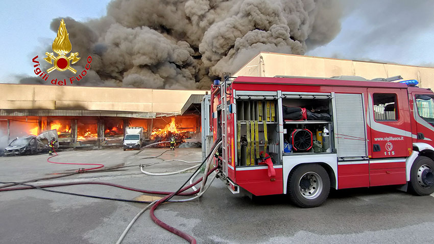 fabbrica incendio