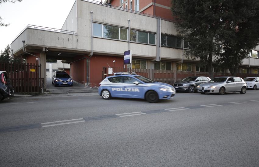 Rissa in centro: feriti due giovani