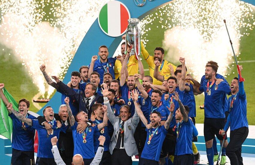 Anche in Irlanda hanno festeggiato la vittoria dell'Italia a Euro 2020 – Video