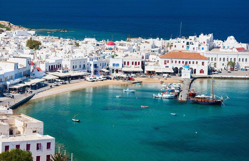Grecia: Casi Covid in aumento, coprifuoco e musica vietata a Mykonos