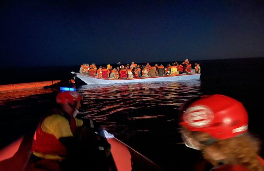 Migranti – 50 persone alla deriva al largo di Lampedusa