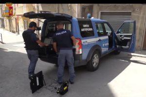 Gela, Polizia di Stato: operazione di prevenzione e controllo del territorio. Rinvenuto un ordigno esplosivo, arrestato il possessore