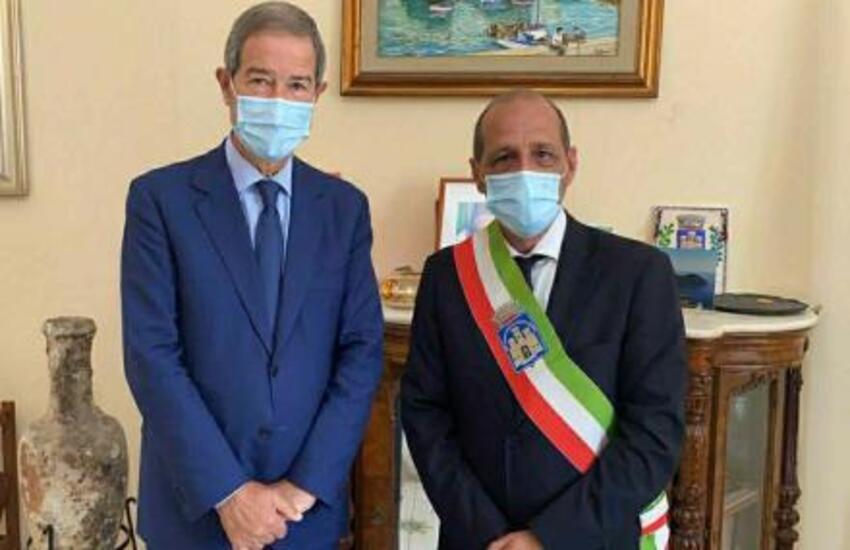 """Musumeci a Lipari: """"Museo e Parco della pomice una priorità"""""""