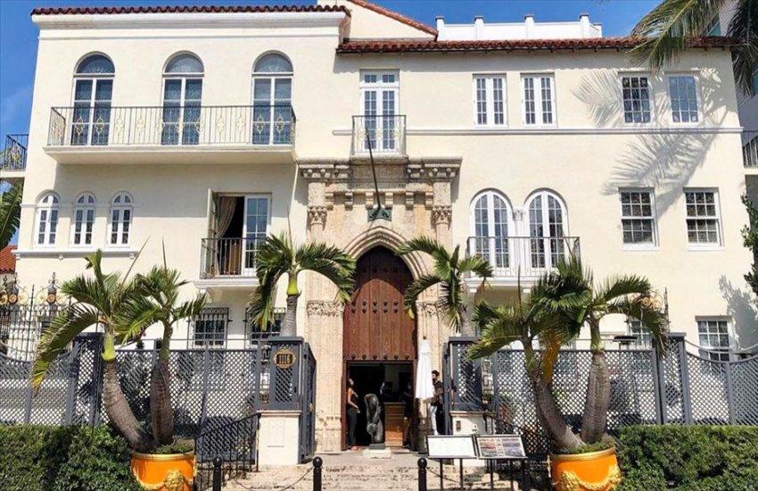 Altro giallo nella villa di Versace: trovati due cadaveri 24 anni dopo nello stesso giorno dell'omicidio dello stilista