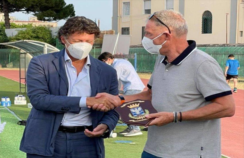 Rudi Krol a Napoli incontra le giovani promesse calcistiche del territorio. Tappe anche a Portici e San Giorgio a Cremano