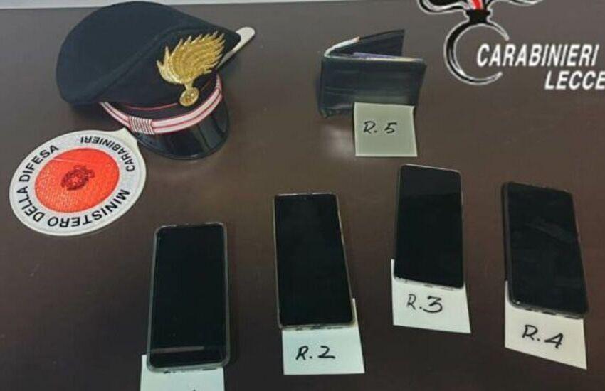 Ruba telefonini in un lido di Torre Lapillo. Arrestato per furto aggravato 24enne