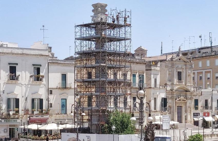 Piazza Sant'Oronzo, terminato il restauro della colonna