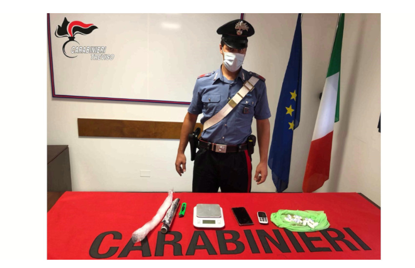 Blitz dei Carabinieri in mattinata a Montebelluna: quattro persone in arresto, più di un etto di cocaina sequestrata