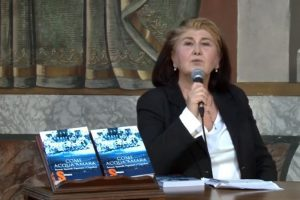 """""""Acqua Amara"""", il libro della professoressa Lucia Fusco presentato al centro anziani di Sezze"""