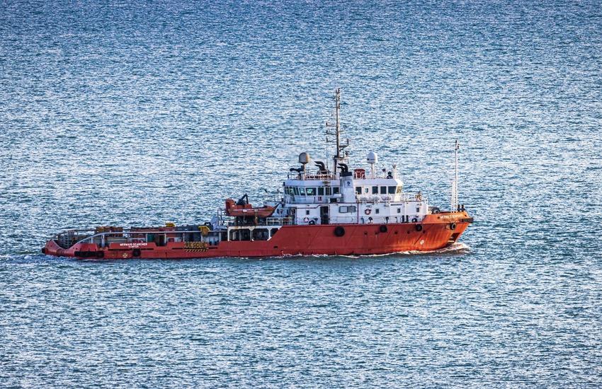 Lampedusa – Nave con 63 migranti soccorsa dalla Guardia Costiera nella notte