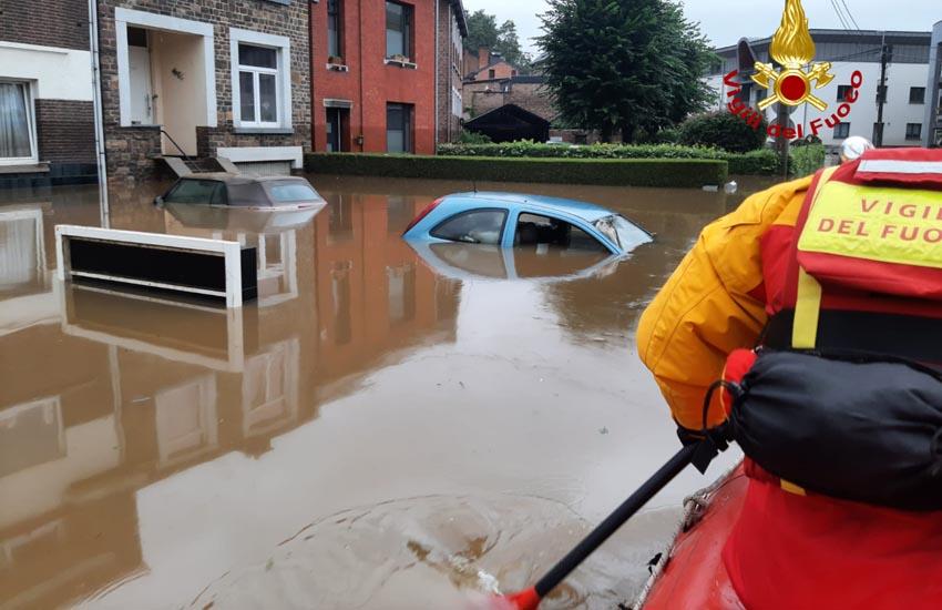 Alluvione Nord Europa, 12 Vigili del fuoco in Belgio da Venezia, Padova, Treviso, Vicenza. Le foto drammatiche