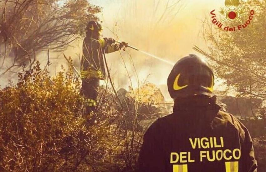 Ancora incendi nella notte in Sicilia – 30 interventi nel palermitano e arresto di un piromane a Trapani