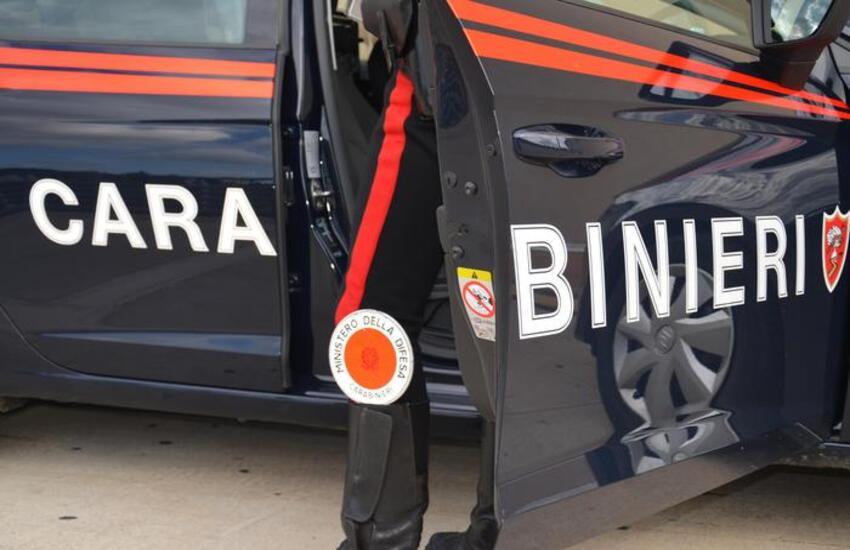 Ponticelli, poco più che bambino fugge armato di pistola con 2 complici dai carabinieri