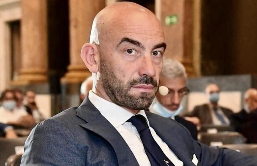 No vax insegue e minaccia Matteo Bassetti, denunciato