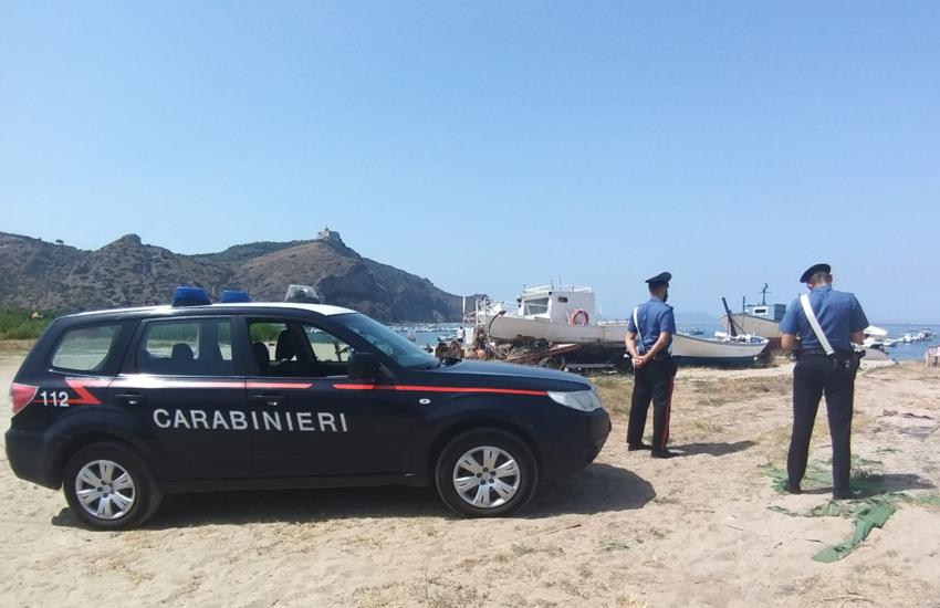 Falcone: 48enne arrestato dai Carabinieri per furto di un gommone