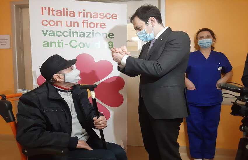 """Razza: """"Necessario l'obbligo vaccinale"""""""