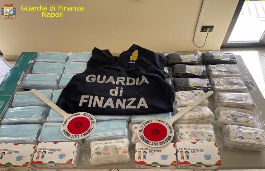 Maxi-sequestro di articoli contraffatti e mascherine non a norma tra Nola, Cardito, Torre del Greco e Meta di Sorrento (VIDEO)