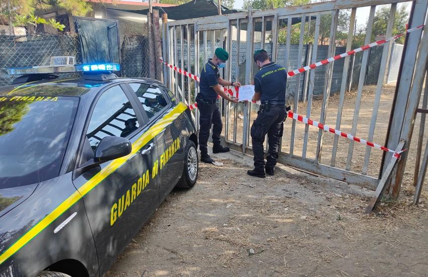 Minturno, a Pantano Arenile 17 case abusive: denunciati i 25 proprietari