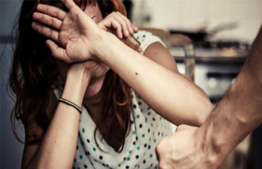 Messina: tenta di strangolare la moglie, 55enne violento fermato dalla figlia