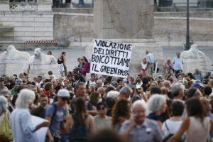 Milano: 4000 no green pass in corteo nonostante i divieti