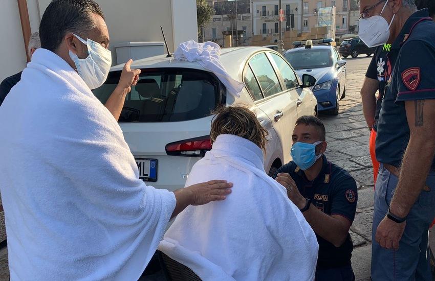 Taranto: Tenta il suicidio lanciandosi in mare, salvata dalla Polizia