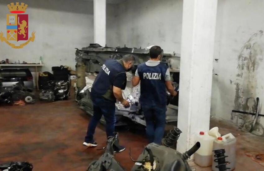 Borghesiana, smontavano auto rubate in un garage sotterraneo. Arrestato