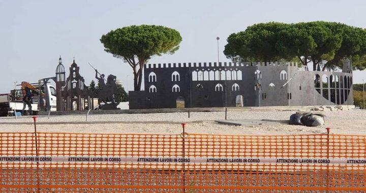 """Fervono i lavori in contrada Mugno per """"LA"""" rotonda che darà il benvenuto nella città di Ragusa"""
