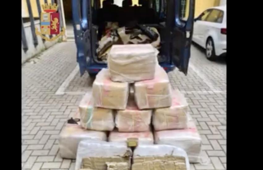 450 kg di hashish in un box per un valore di 3 mln, due arresti