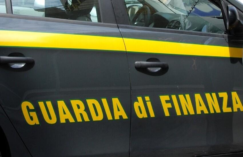 Milano: Contributi non versati, imprenditore ai domiciliari