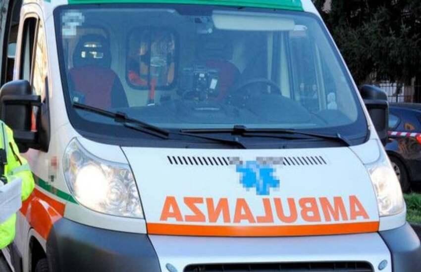 Milano: Ubriaco, cade da monopattino. È grave