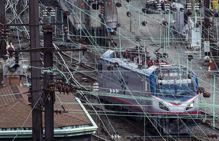 USA, deraglia treno: almeno 3 morti