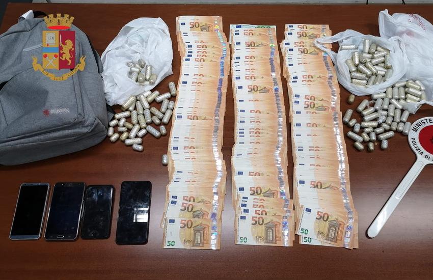 Dal Perù a Milano con cocaina in ovuli nello stomaco, 4 arresti