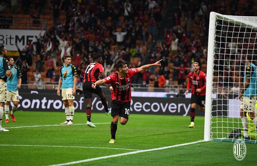 Milan domina Venezia e riprende l'Inter in vetta
