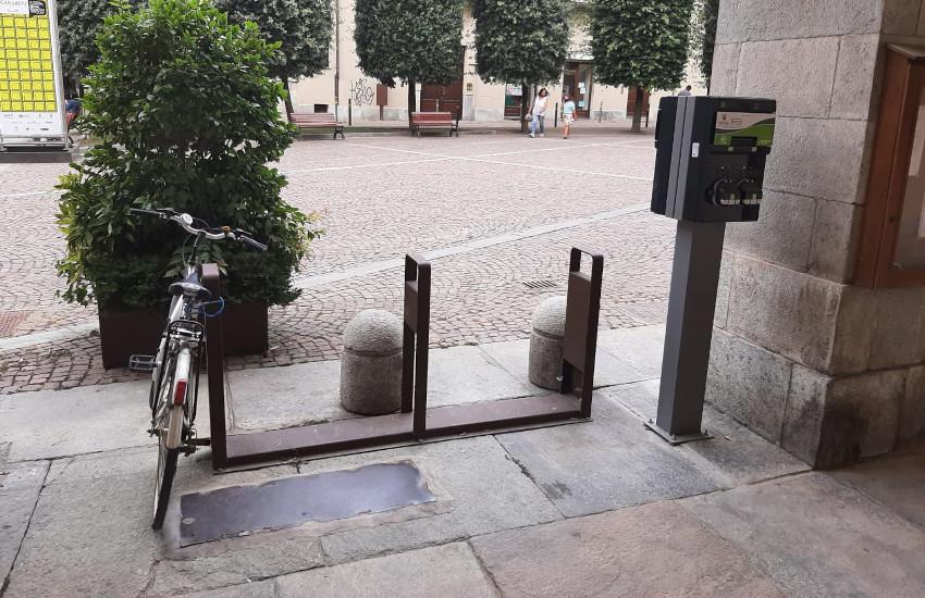 Cuneo, 6 nuove colonnine per la ricarica delle bici elettriche