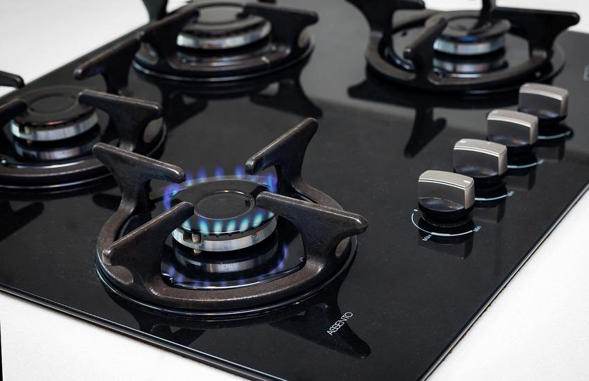 Ministro Cingolani: Governo impegnato contro caro bollette luce e gas