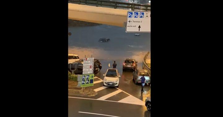 Nubifragio a Malpensa, auto sommerse dall'acqua (Video)