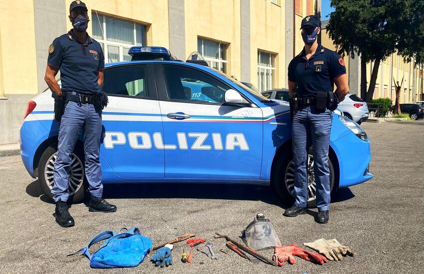 Ex birrificio Messina: polizia arresta quattro messinesi sorpresi a rubare