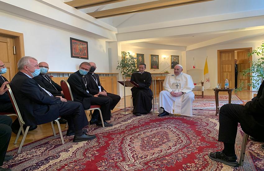 """Papa Francesco: """"Sto bene, ma qualche prelato già preparava il Conclave per eleggere un nuovo pontefice"""""""