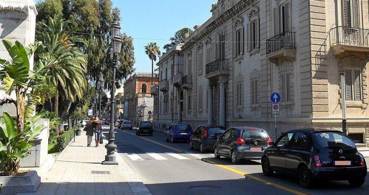 Reggio Calabria dice addio ai dehors, riprende la circolazione sul Corso Matteotti