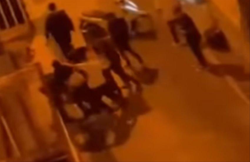 Agghiacciante aggressione a Frattamaggiore, in 10 contro 1. Anche stavolta parleranno di bravata? (VIDEO)