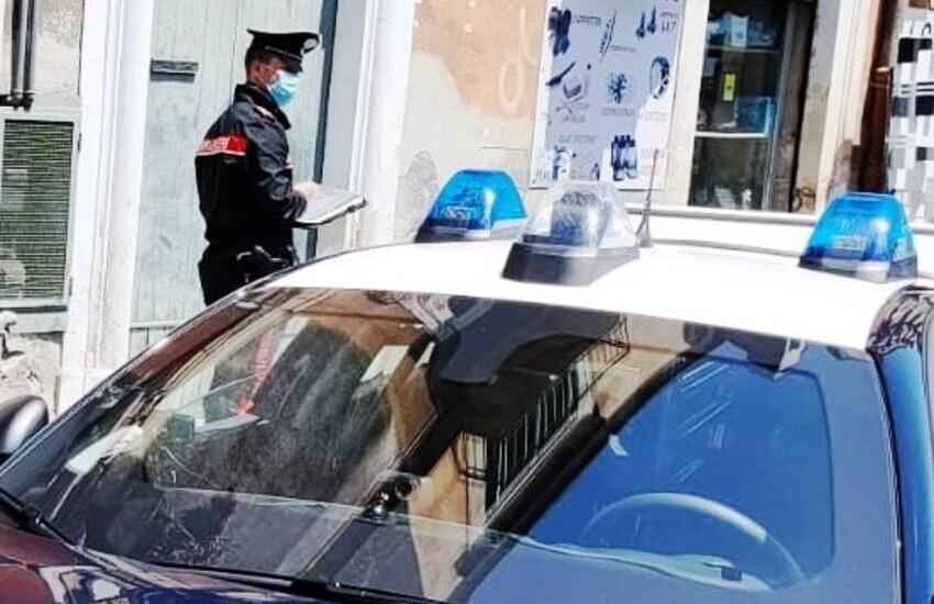 Catania, tentano di rubare una smart, arrestato 28enne di Mascalucia