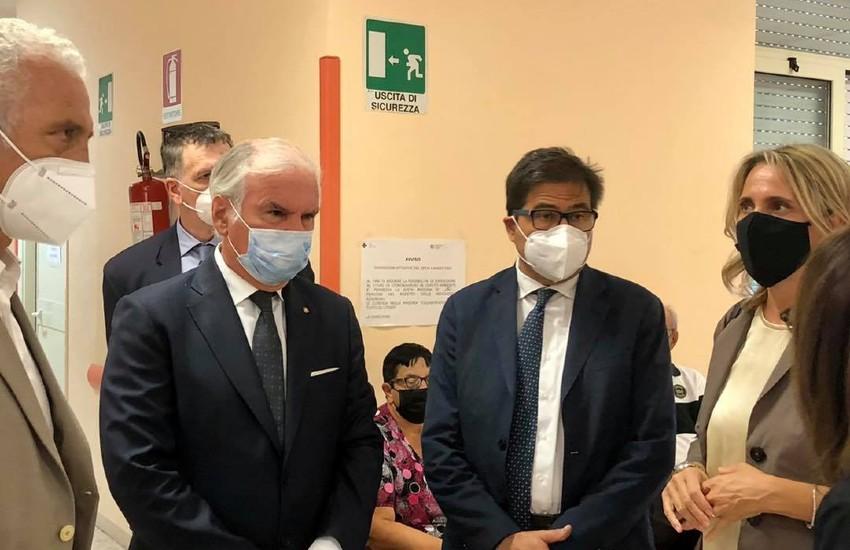 """D'Amato in visita alla Asl di Latina: """"Fatto un grande lavoro con la vaccinazione degli indiani"""""""