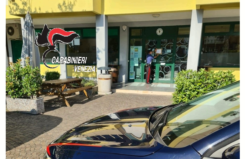 Santa Maria di Sala, Carabinieri chiudono bar per 5 giorni per mancato rispetto norme anti Covid 19