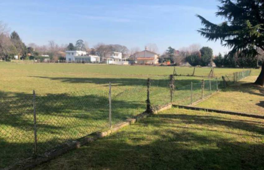 Montebelluna, l'area sgambamento cani si farà alla fine del Viale XI Febbraio