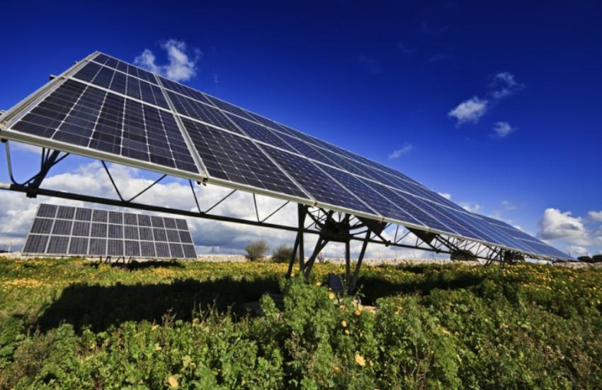 Chioggia, primo Comune del veneziano che dice no ai pannelli solari a terra